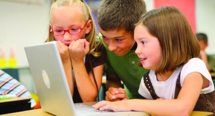 kids-laptop-white-edtech-tw