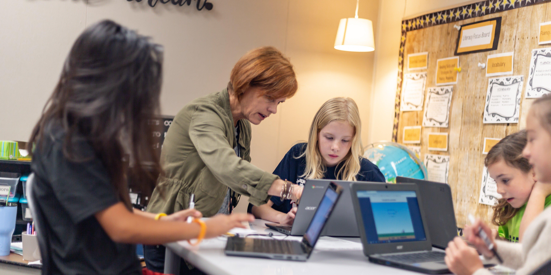 blog.mindresearch.orghubfsBlogImagesDe-Portola-Elementary-Teacher-Student-ST-Math-1